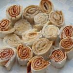 Rotoli di pane bianco salati