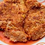 Frittata di riso rossa in padella