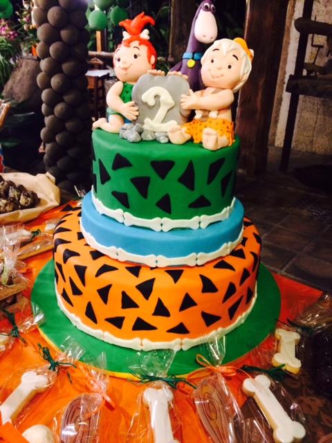torta-compleanno-a-tema-flinstones