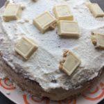 Torta Raffaello con cocco e cioccolato bianco