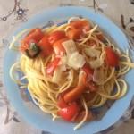 Spaghetti con pomodori a crudo